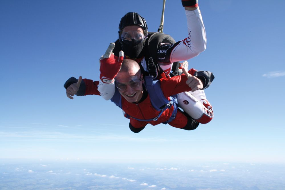 parachuting noertrange air field 01