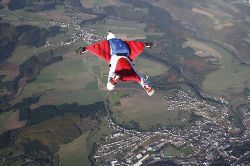 parachuting noertrange air field 04