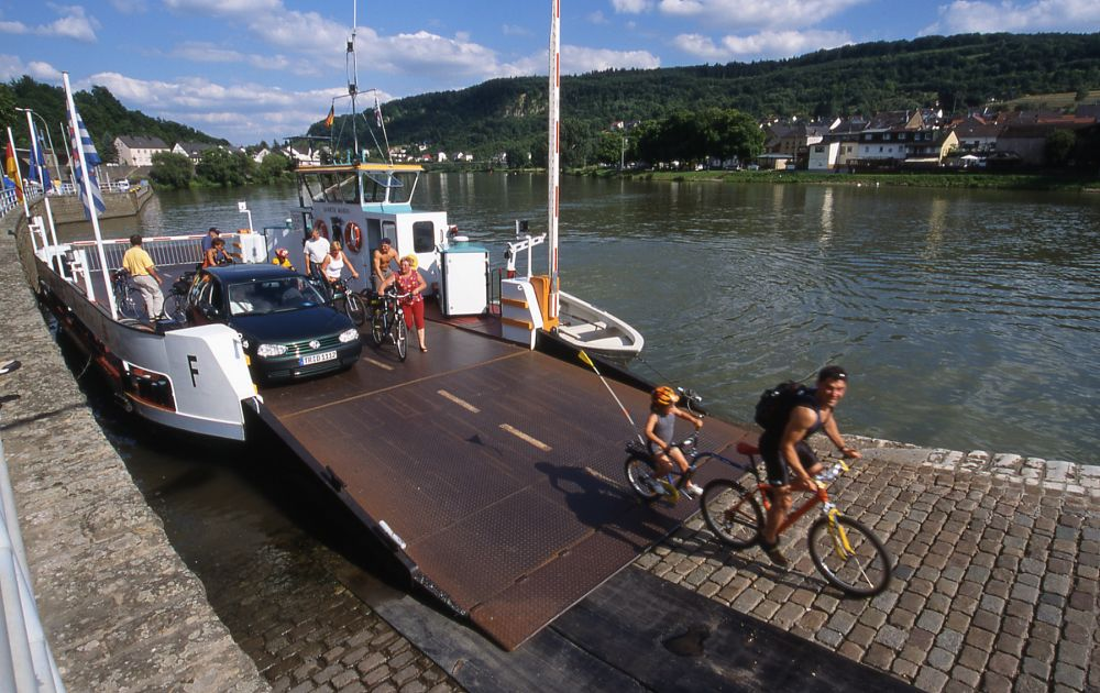 bicycle rental deutsch lux tourist info