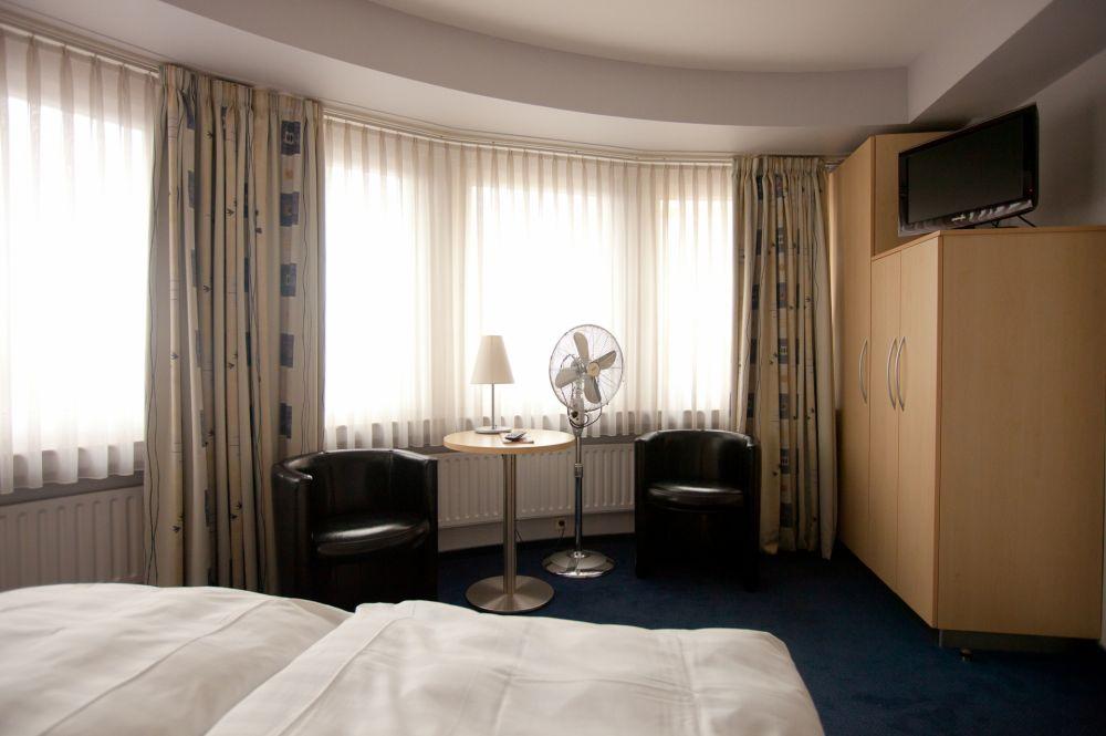 standard room seating corner