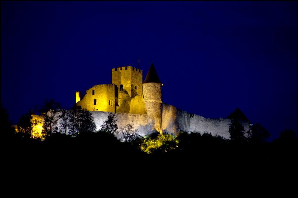 chateau de bourscheid nocturne