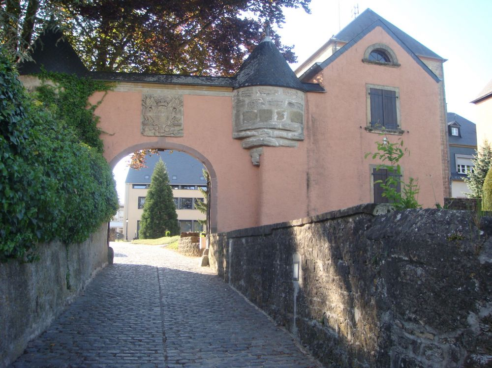 Mersch castle entrance