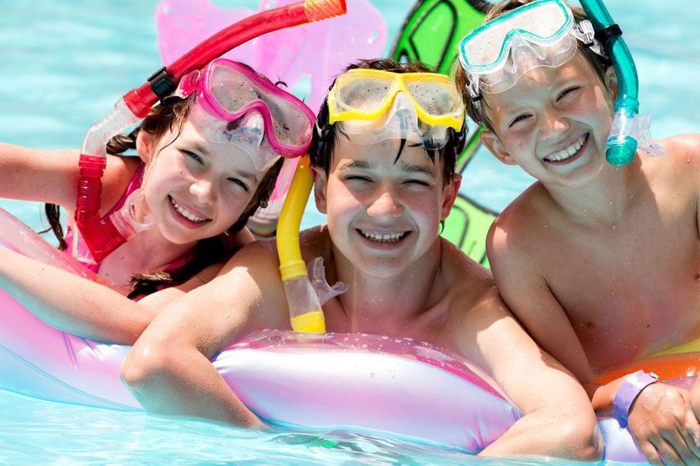 outdoor swimming pool larochette 02